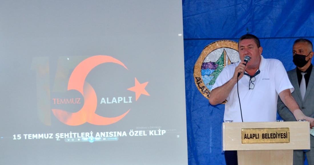 15 Temmuz Şehitlerini Anma Demokrasi ve Milli Birlik Günü etkinlikleri kapsamında, Alaplı Belediyesi tarafından vatandaşlara lokma dağıtıldı.