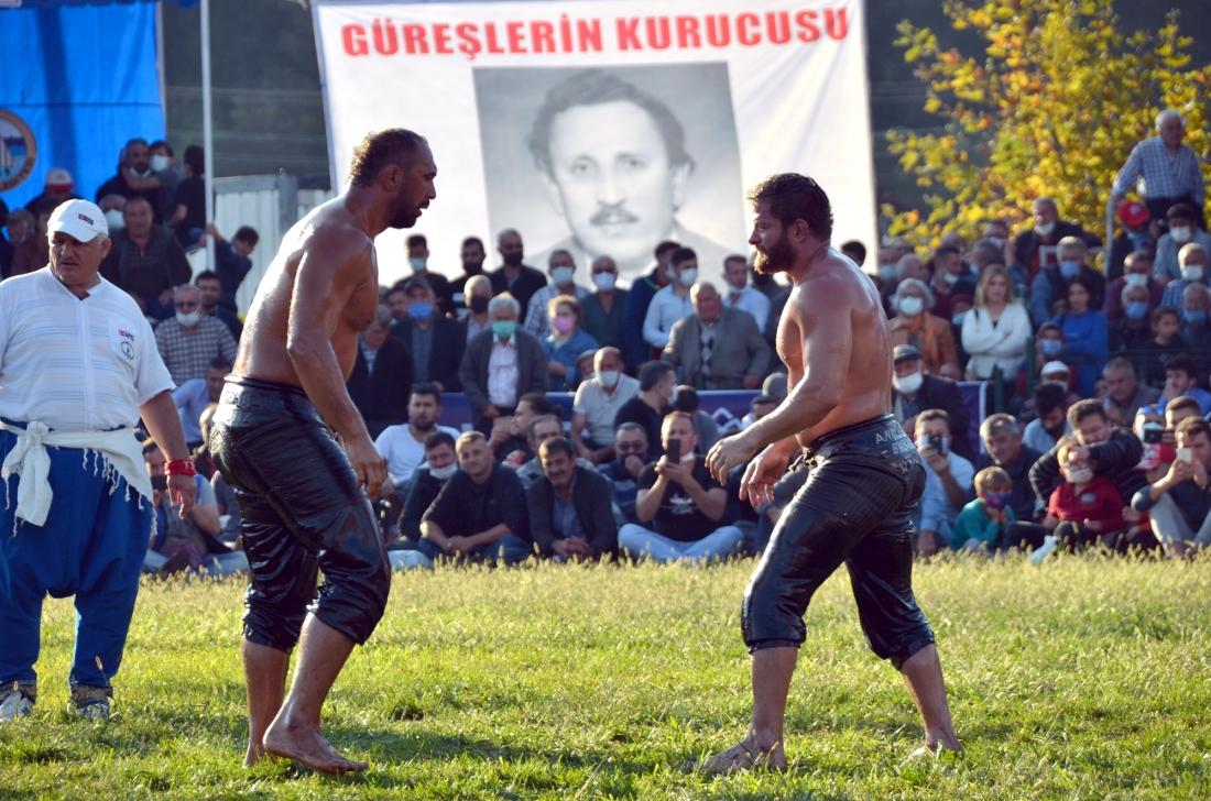 KARADENİZİN KIRKPINARINDA BAŞPEHLİVAN 'İSMAİL BALABAN' OLDU.