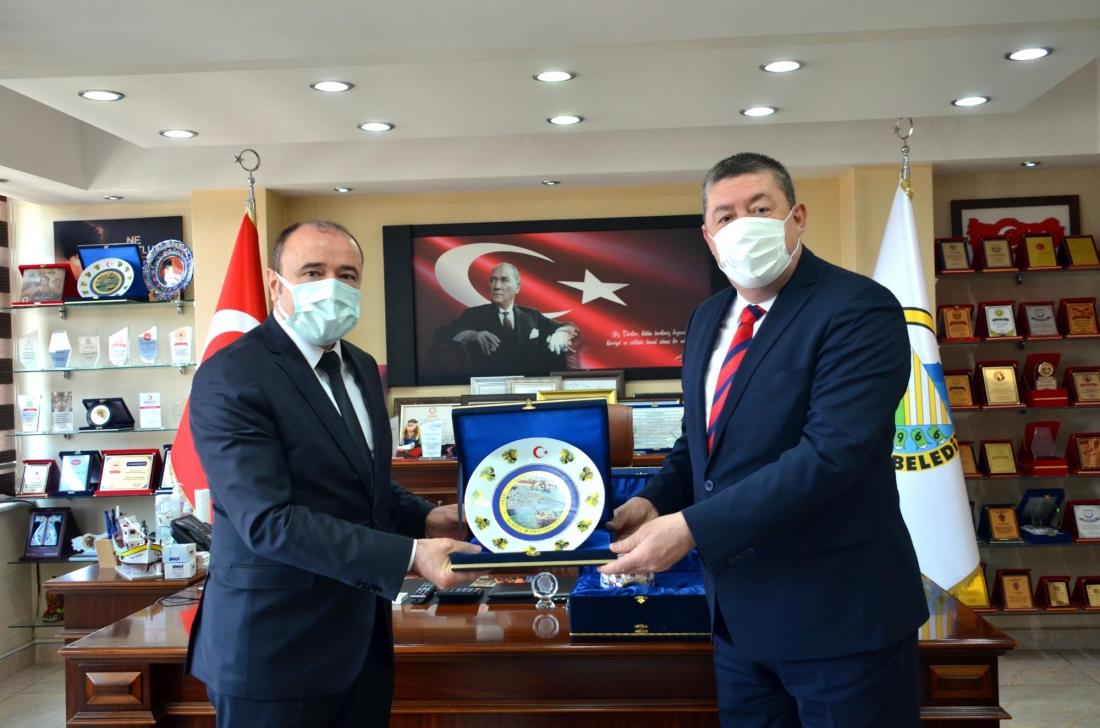 Türk Metal Sendikası Genel Başkan Yardımcısı Halil Faki Erdal, Alaplı Belediye Başkanı Nuri Tekin'i ziyaret etti.