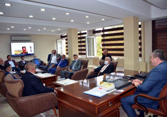 Alaplı Muhtarlar Derneği Başkanı Midat Mandacı ve yönetim kurulu üyeleri Alaplı Belediye Başkanı Nuri Tekin'i ziyaret etti.