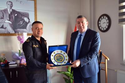 Belediye Başkanımız Sayın Nuri Tekin, İlçe Emniyet Müdürü Hakan Çelik'i ziyaret etti.
