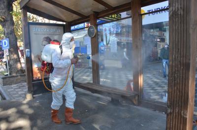 Tüm dünyayı etkisi altına alan Covid-19 virüsü ile mücadele kapsamında, Belediye ekiplerimiz dezenfeksiyon çalışmalarını İlçe genelinde sürdürüyor.